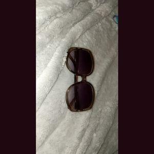 Sunglasses/Eyewear 🕶️ (Unsure of Brand)